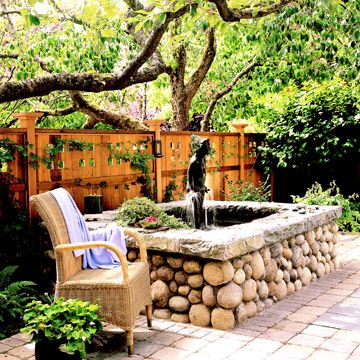 Make your landscape more of a personal retreat by adding elements that give you privacy. Try these easy ways of creating your own private garden.