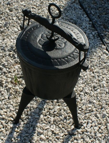 Hungarian Cast iron pot 8L with solid cast iron cover goulash goulash kettle in Antiques, Metalware, Cast Iron | eBay