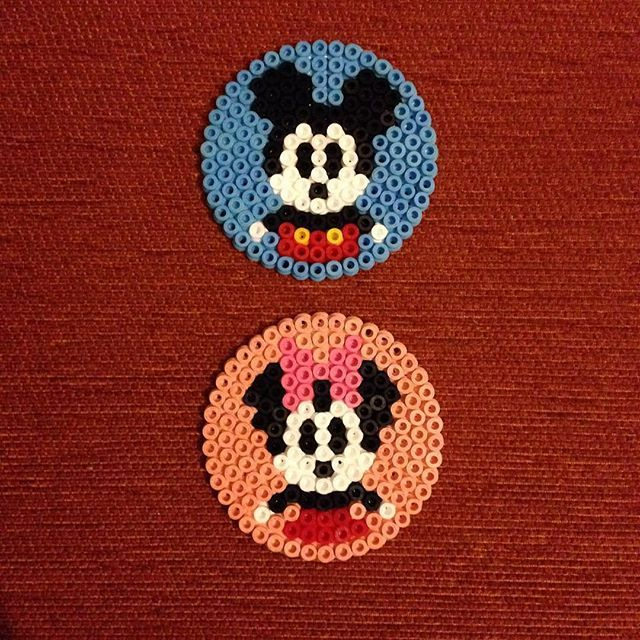 mickey and minnie mouse hama beads by gothpanda perler beads hama beads pinterest perles. Black Bedroom Furniture Sets. Home Design Ideas
