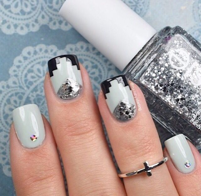 Awesome Aztec and sparklin' silver manicure by @nailsbyidarling!  Thank you!  Get Aztec nail vinyls at snailvinyls.com!✨ - Aztec #NailVinyls snailvinyls.com