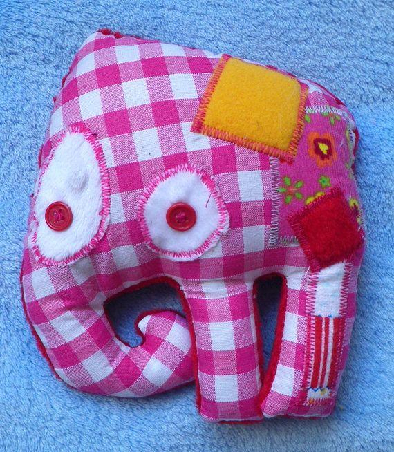 Elisa  Un doudou éléphant coloré et par FraiseauLoupEnfants sur Etsy,