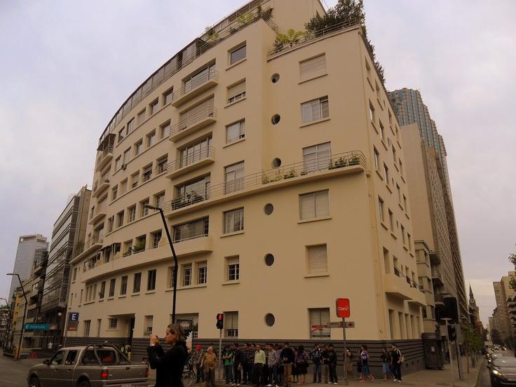 Santa Lucia, edificio curvo