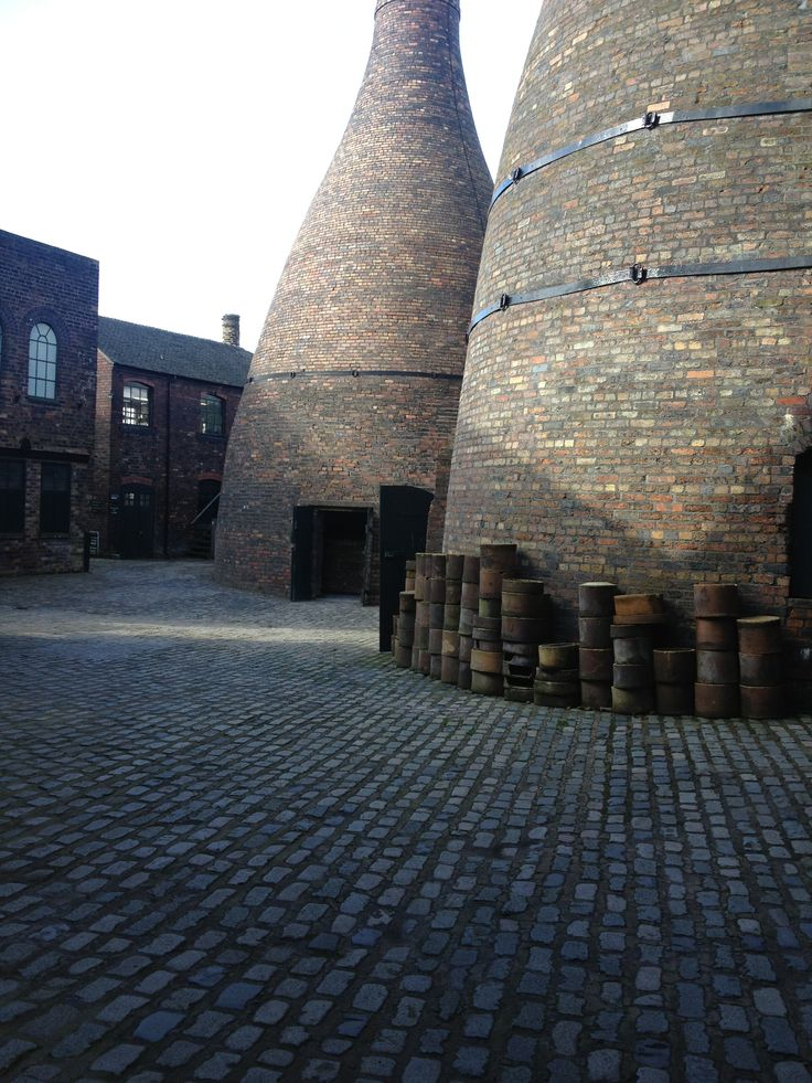 A visit to Gladstone Pottery for our research in Stoke before we started manufacturing.