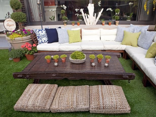 Love this design? Make it yours. Our best room looks are now shoppable...just browse and click to buy --> http://hg.tv/u1uhOutdoor Sectional, Outdoor Oasis, Outdoor Pillows, Outdoor Living, Dreams Backyards, Living Room, Living Outdoor, Floors Cushions, Floors Pillows