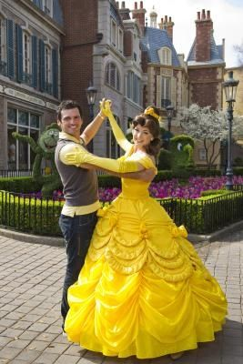 How to Make a Homemade Disney Belle Costume