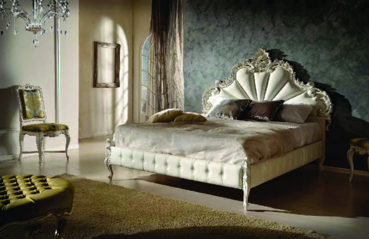 White Bed from Meggiorini Santino Collection Pat din lemn masiv