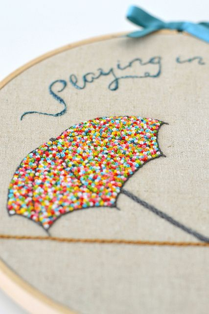 French knot stitching by Down Grapevine Lane. Love the french knots in rainbow colors! So tuuuute: