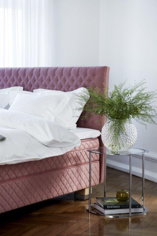 Went to bed heaven and back! Så in i bomben snygg och vacker säng ifrån svenska Dux.