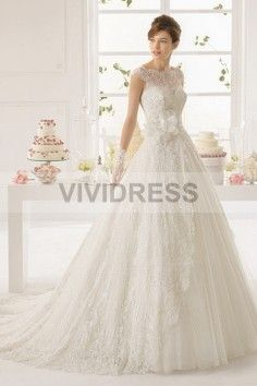A-line Scoop Chapel Train Sleeveless Lace Wedding Dresses with Flower Style  http://www.vividress.co.uk/lace-wedding-dresses-style-15427117.html