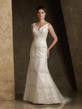 Rina di Montella Wedding Dress Style RB11071 | OneWed