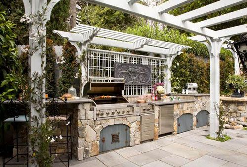 Outdoor Kitchens: Tips and Examples - KitchenHunter