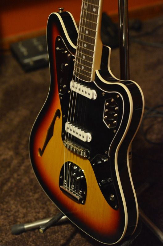 Fender Thinline Jaguar from the Fender Japan custom shop. Do want.