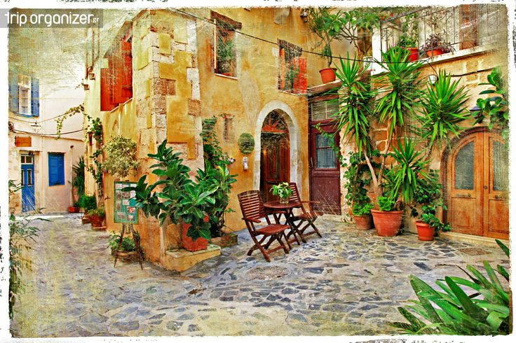 """Κέρκυρα (Corfu)  Το Πάσχα στην Κέρκυρα αποτελεί μια διαχρονική κλασική επιλογή για χιλιάδες επισκέπτες που συρρέουν στο νησί του Ιουνίου για να ζήσουν από κοντά τα ήθη και έθιμα του, όπως οι """"μπότηδες"""" το διάσημο πλέον σπάσιμο των πήλινων κανατιών γεμάτων νερών, που πέφτουν με εκκωφαντικό θόρυβο από τα σπίτια το πρωί του Μεγάλου Σαββάτου. Το 'Κρητικό Μέλος',μια ιδιότυπη τετραφωνία, μια εκκλησιαστική συγκινητική μουσική που ξεχύνεται από τα καντούνια της πόλης , κυριαρχεί αυτές τις μέρες. Μην…"""