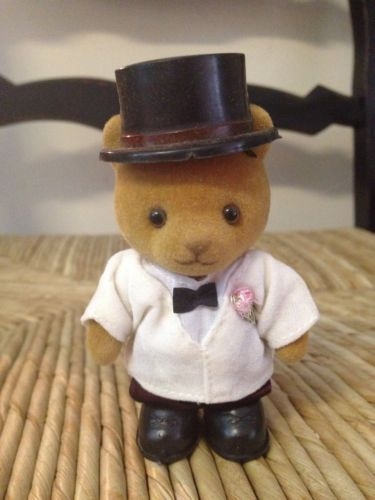 Sylvanian Calico Critters Maple Town ~Groom Bear~ Original Clothes & Shoes