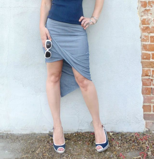 Knock off Anthropologie Oblique Pencil Skirt + tutorial (a two seam, 30 minute project!) | Domestic Bliss Squared | Bloglovin'