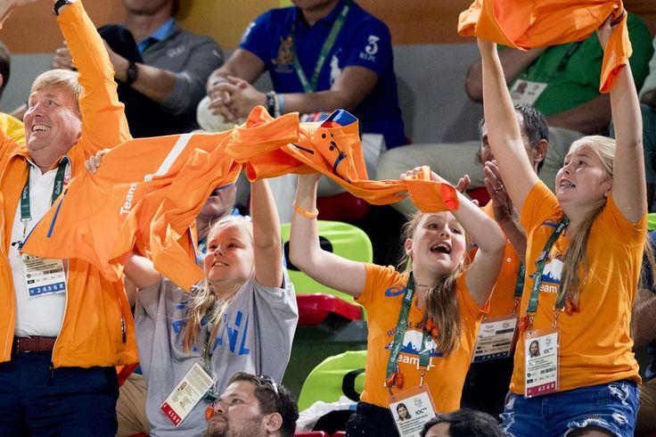 Le roi Willem-Alexander des Pays-Bas avec ses filles aux JO de Rio, le 15 août 2016