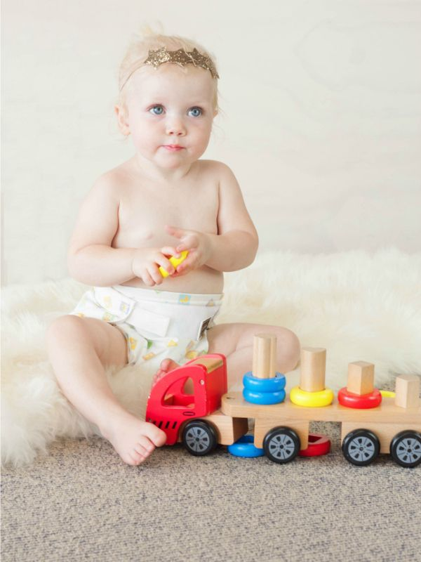 Global Baby - Discoveroo Sort N Stack Wooden Truck, Toys