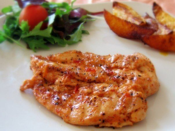 Baked chicken breast with cream sauce