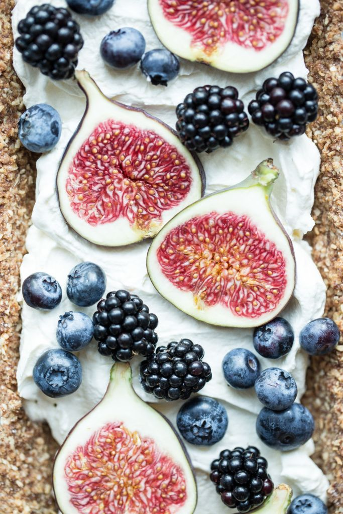 Late summer tart with figs, blackberries and blueberries.Bea's cookbook.Food photography & styling.