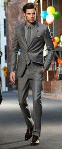 Grey business suit for men. Business outfit. Learn how to make powerful first impression >>> http://justbestylish.com/how-to-make-powerful-first-impression/