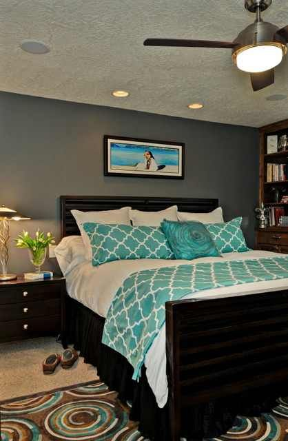 Grey and turquoise.. love this idea for a bedroom!