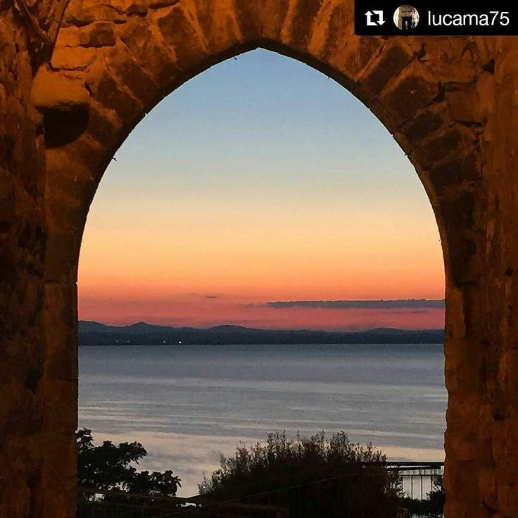 #Repost @lucama75  #tramonto #lake #lago #lagotrasimeno #laketrasimeno #trasimenolake #trasimemo #landscape #paesaggio #sansavino #travel #travelling #photography #photooftheday #picoftheday #pic #pictures #umbria #italia #italy
