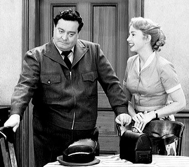 Jackie Gleason, Audrey Meadows-The Honeymooners: Favorite Tv, Alice Kramden, Ralph, Moon Alice, Vintage Tv, Jackie Gleason, The Moon, Classic Tv
