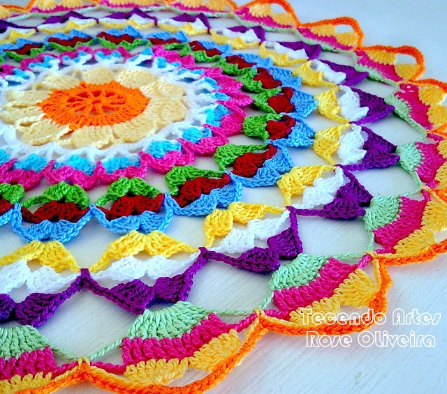 Weaving Arts in Crochet: Towel Rainbow - A show of colors!
