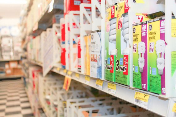 Buying Light Bulbs | Choosing Light Bulbs | HouseLogic Lighting Advice