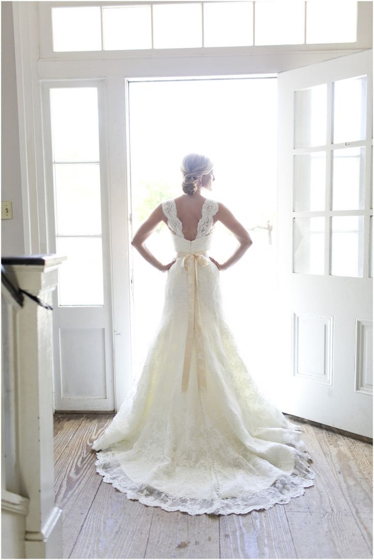Dallas wedding photographer, Mary Fields Photography, bridal portraits, lace wedding dress with capped sleeves