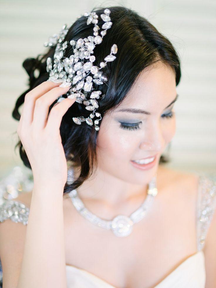 Crystal bridal headpiece. Glamorous Great Gatsby Wedding Inspiration