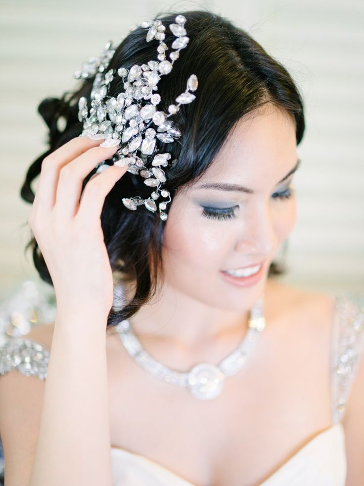 Crystal bridal headpiece. Glamorous Great Gatsby Wedding Inspiration