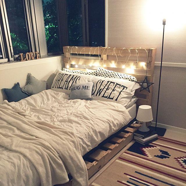 女性で、2LDKのライト/照明/パレット/ロンハーマン/寝室/ベッド…などについてのインテリア実例を紹介。(この写真は 2015-09-06 21:26:01 に共有されました)