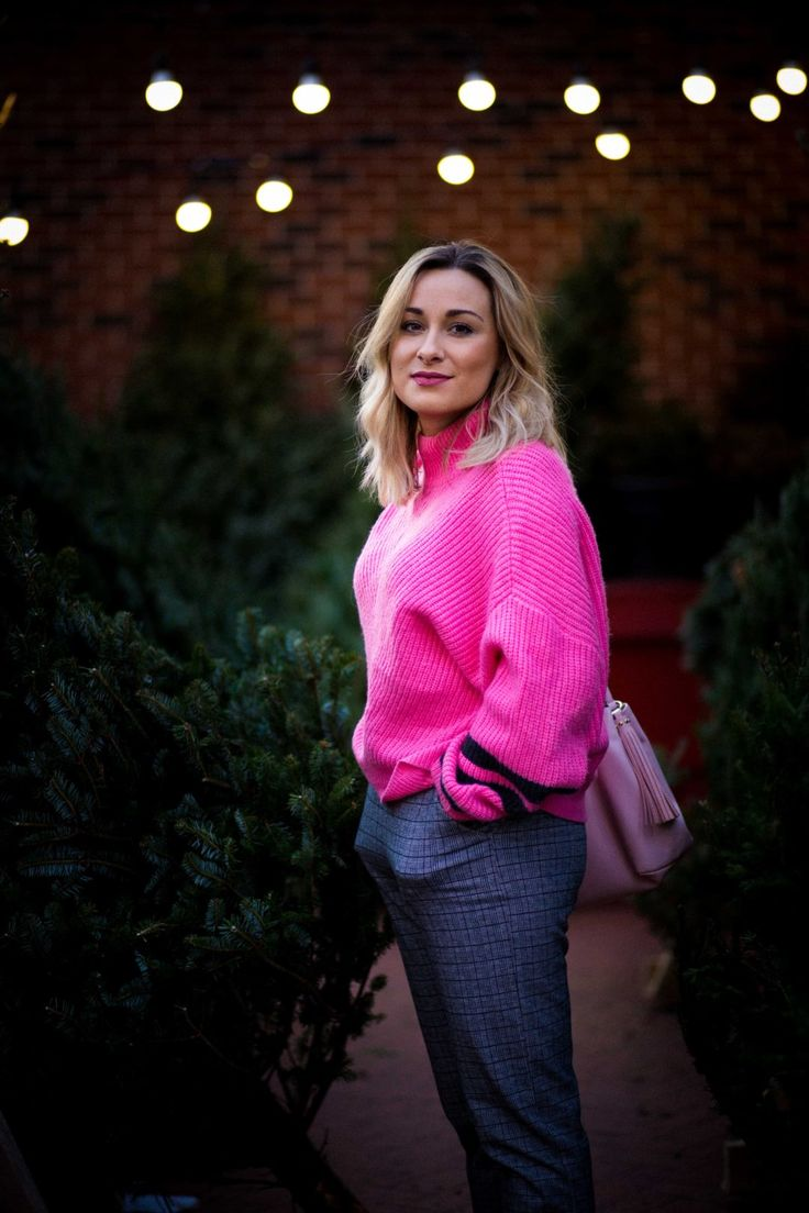 Pink Christmas Sweaters! Yes Please! | Chicago Street Fashion | The Full Color Life