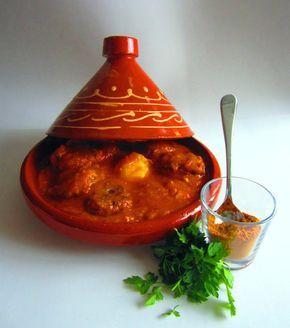 Mi estupenda versión de la tradicional receta de la cocina marroquí de Kefta tajine, deliciosas pulpetas de carne picada con tomate y huevos escalfados.