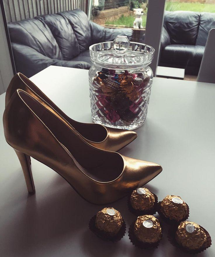 Shoes speak louder than words. #heels #shoes #fashion #luxirare #fashionblogger