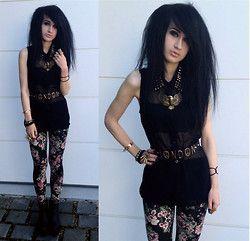 Tessa Diamondly - Armani Exchange Studded Blouse, Ebay Eagle Necklace, Topshop Belt, Bershka Leggings, H&M Wedges - Darling, don't be like the others.