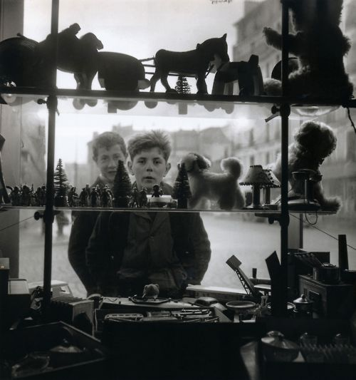 Robert Doisneau Shop Window, 1947