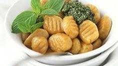 Rezept: Kürbisgnocchi mit Pesto genovese