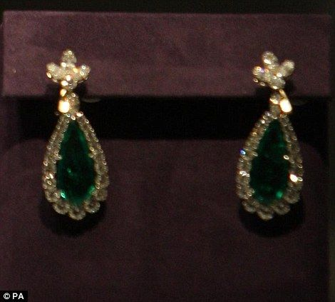The earrings from the emerald suite which Taylor wore a lot including to the Paris Opera in 1963