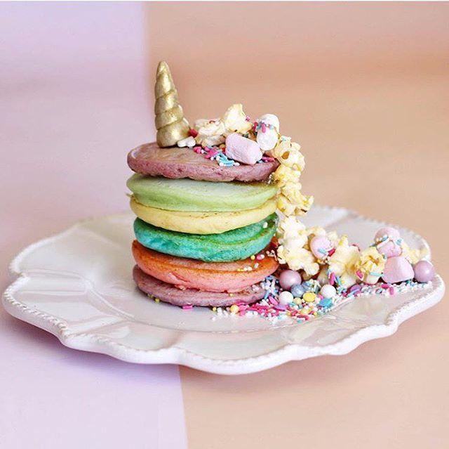 Unicorn Pancakes c/o @paperplayground