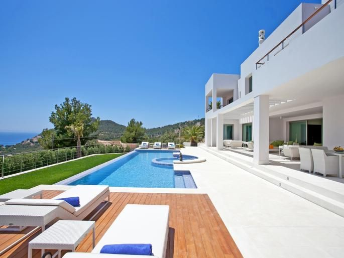 $21.3m First Class Estate in the hills of Andratx Engel & Völkers Property Details | W-020AVU - ( Spain, Mallorca, Andratx, Port Andratx ). Ultra Primus