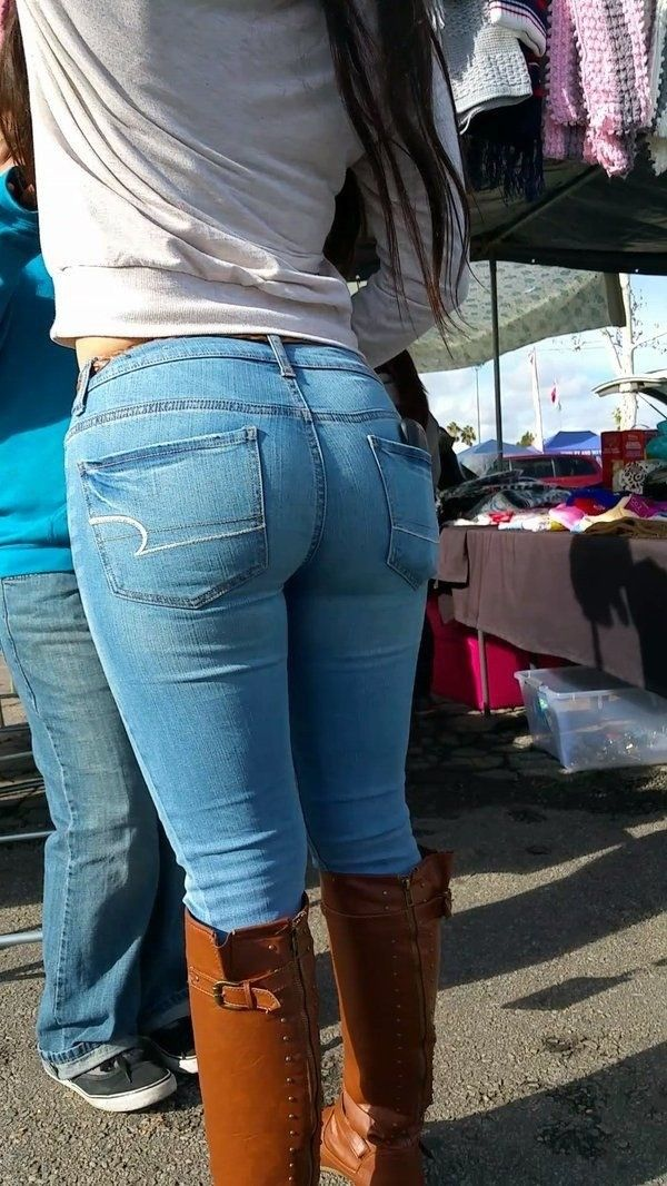 Фото поп в джинсах на улице фото секс