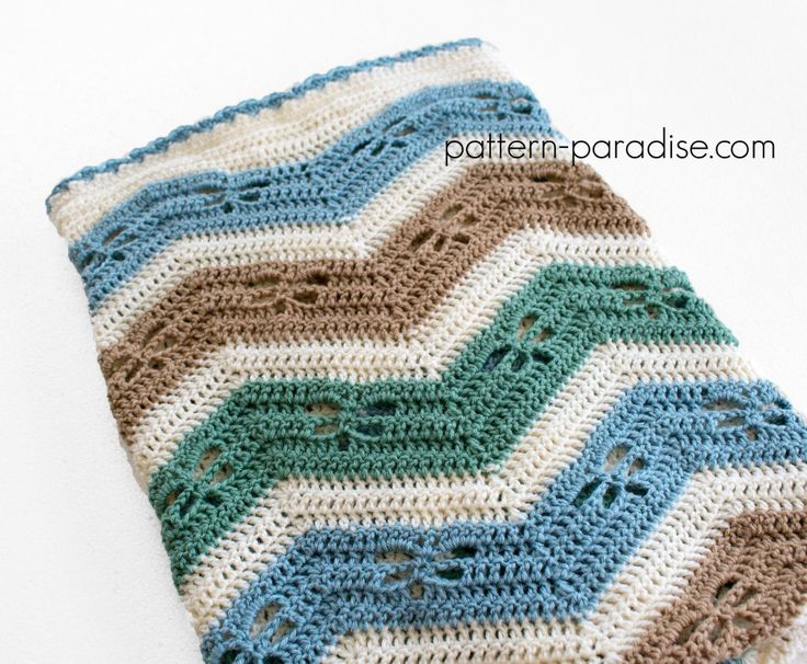 Free Crochet Pattern Dragonfly Chevron Baby Blanket on Pattern-Paradise.com…