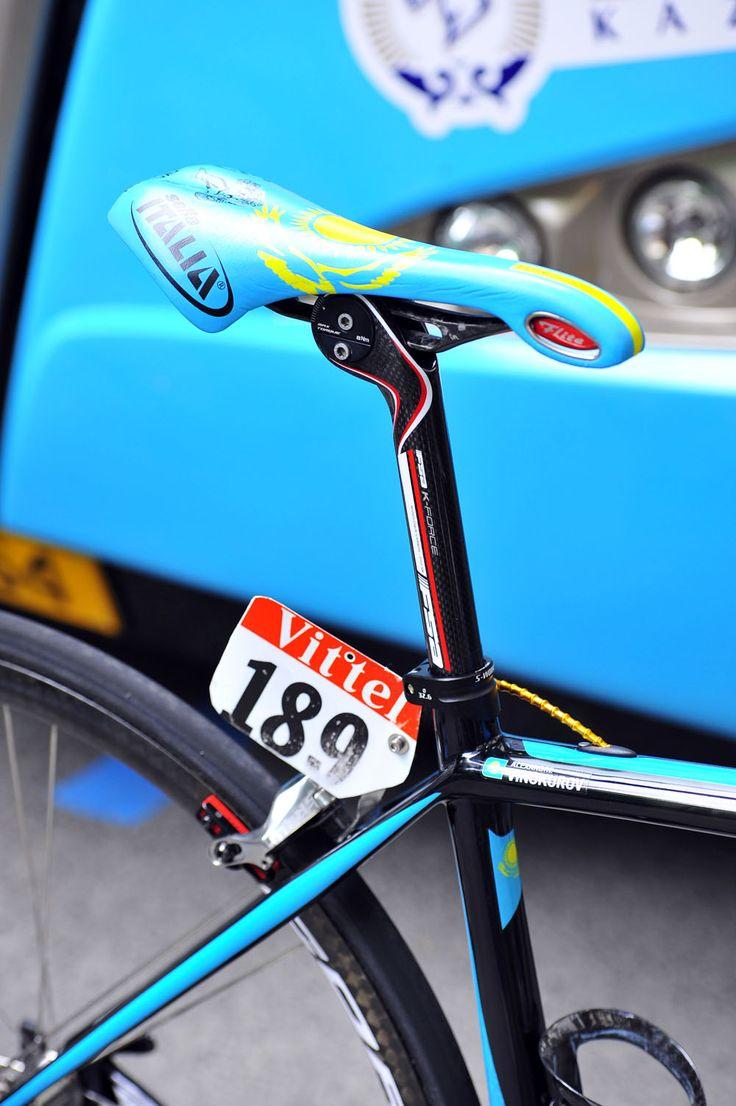 Vinokourov's Specialized Tarmac SL4  Vinokourov uses an FSA Monolink seatpost and Monolink Selle Italia saddle, which offers loads of adjustability. Photo: Caley Fretz | VeloNews.com