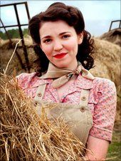 Seline Hizli-Land Girls | Seline plays Connie Carter in the Land Girls. Seline Hizli is an English actress from Flamstead, Hertfordshire, known for her starring role in the second and third series of the BBC One drama Land Girls.