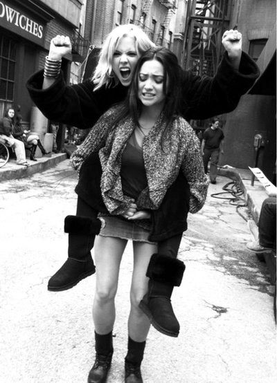 i love how ashley benson and shay mitchel hang out off the set too.