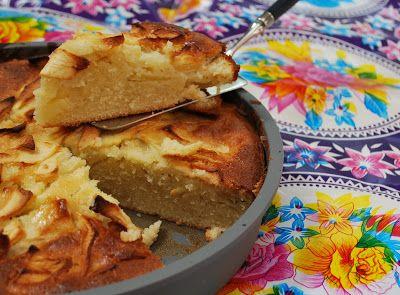 Dit moet zowat de poepsimpelste appeltaart zijn die er bestaat. Het is de eerste taart die mama P, als kind, ooit zelf maakte en het recept...