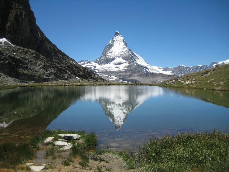 槍のような頂を持つ美しい山スイス マッターホルンとツェルマット周辺のおすすめスポット