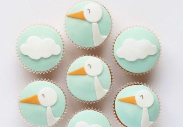 Ideias lindas de convites, decoração, bolos, doces e lembrancinhas para um chá de bebê com tema cegonha!